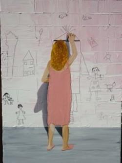 image de petite fille inconnue exprimant ses souvenirs en dessinant sur un mur